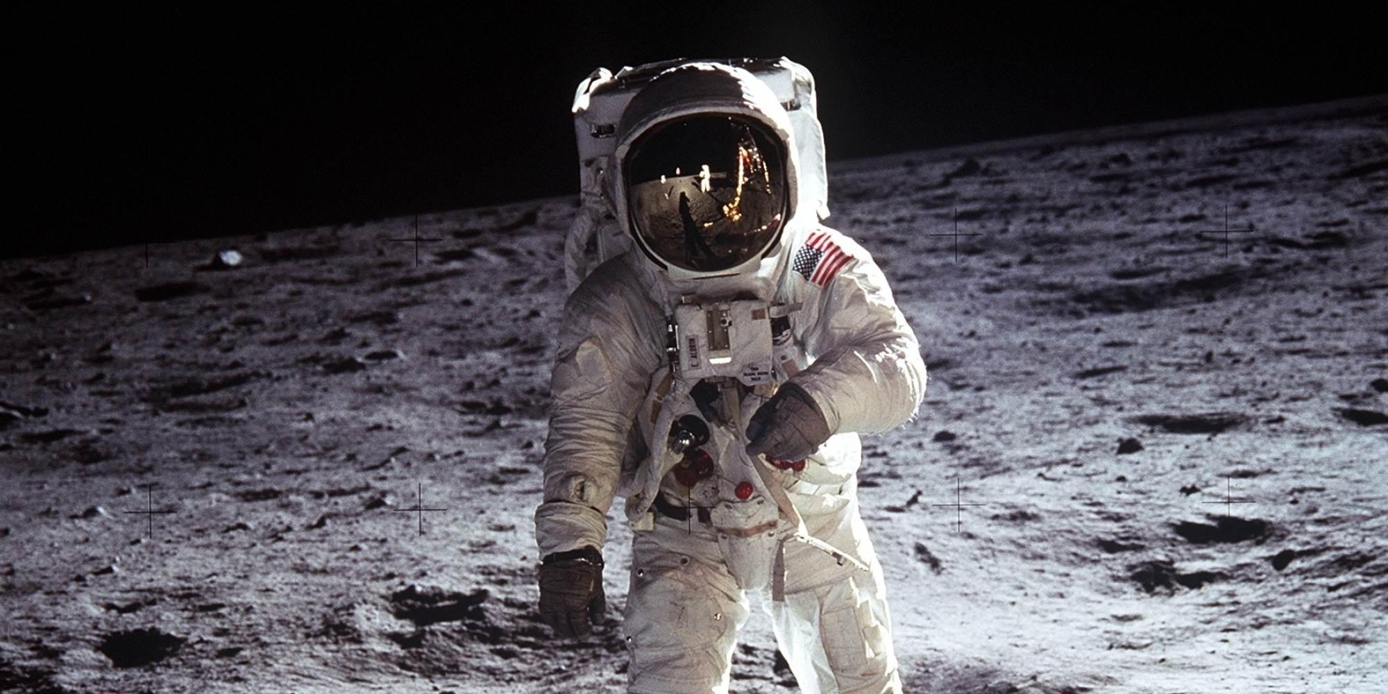 Apollo-11-Saptamana-Galactica