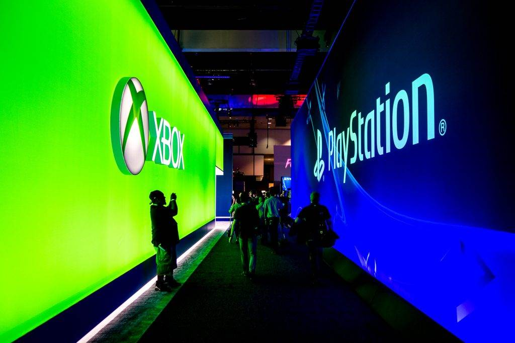 Xbox-One-vs-PS4-Romania-01