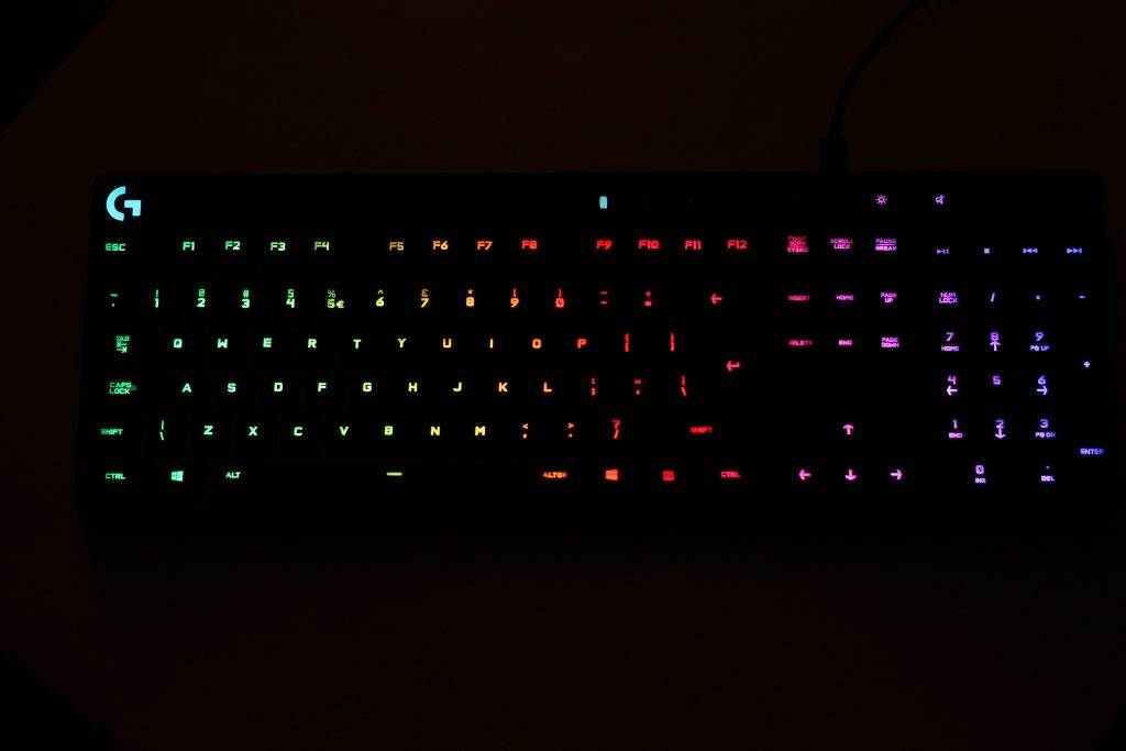 Logitech-G810-Orion-Spectrum-Review-05